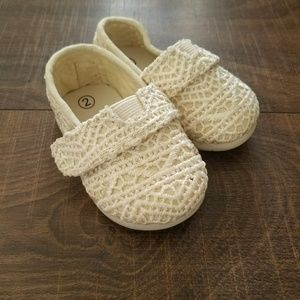 Size 2 toddler shoes, never worn